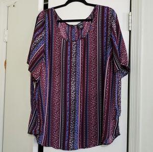 torrid Tops - Printed Short Sleeved Top (Size 4X)